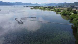 滋賀県長浜市 野鳥センター付近 小型定置網(えり)漁業のポイント ドローン空撮